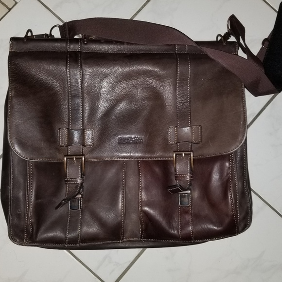 8db93cf757 Kenneth Cole Reaction Handbags - Kenneth Cole mens messenger